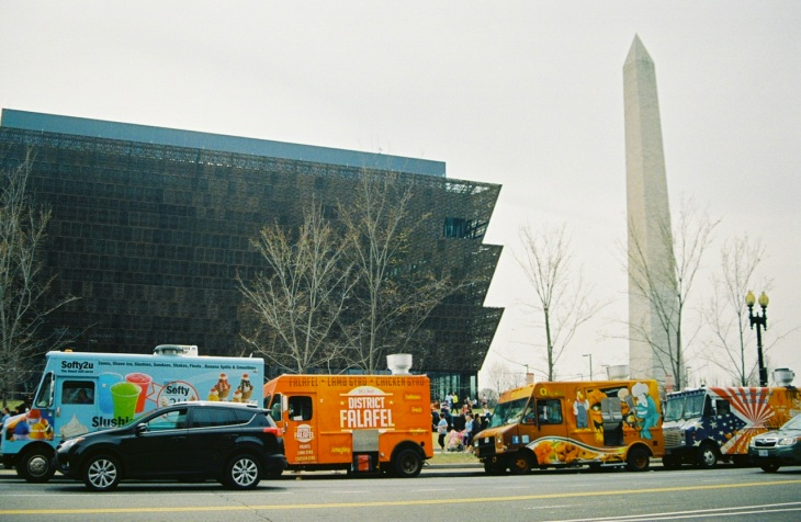 25 nmaahc & washington monument & food trucks pentax k1000
