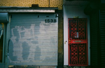 18 washington dc pentax k1000 gate + door